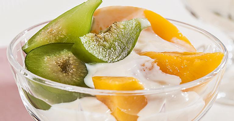 Receita de Taça de frutas com creme de coco