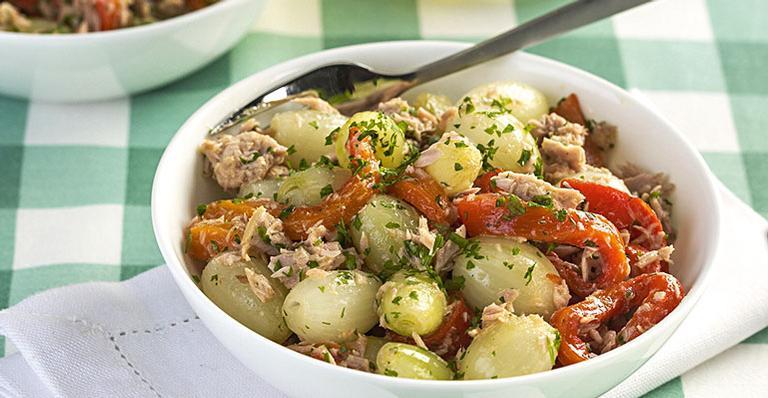 Receita de Salada light de cebola, atum e pimentão | <i>Crédito: Ormuzd Alves