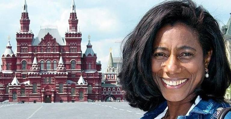 Glória Maria é repórter de programa semanal na TV Globo