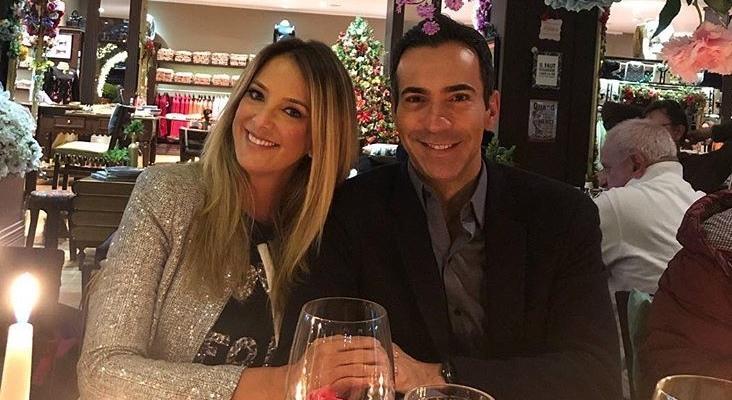 Tici Pinheiro e César Tralli comemoram 1 ano de casados