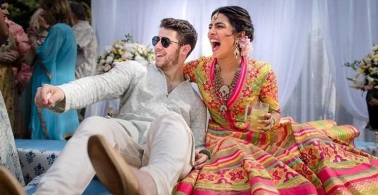 O ator e cantor Nick Jonas, e a atriz Priyanka Chopra
