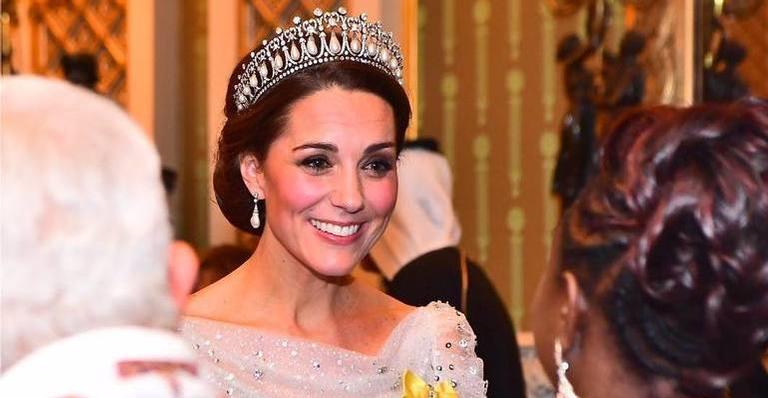 Kate também colocou a tiara em outubro