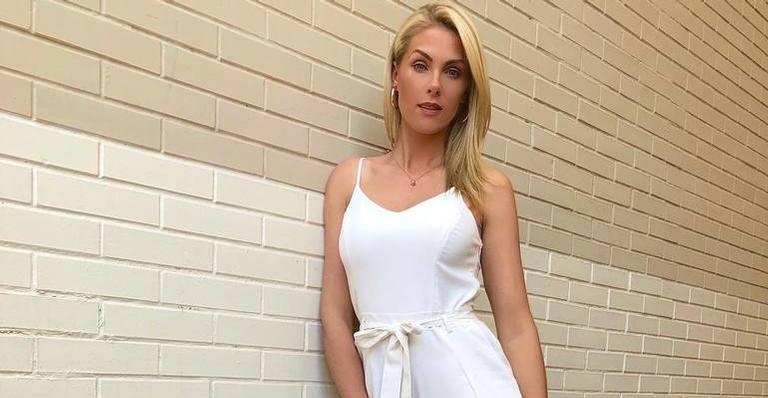 Ana Hickmann dá presente luxuoso em amigo secreto e ganha uma pedra ... ebcc450220