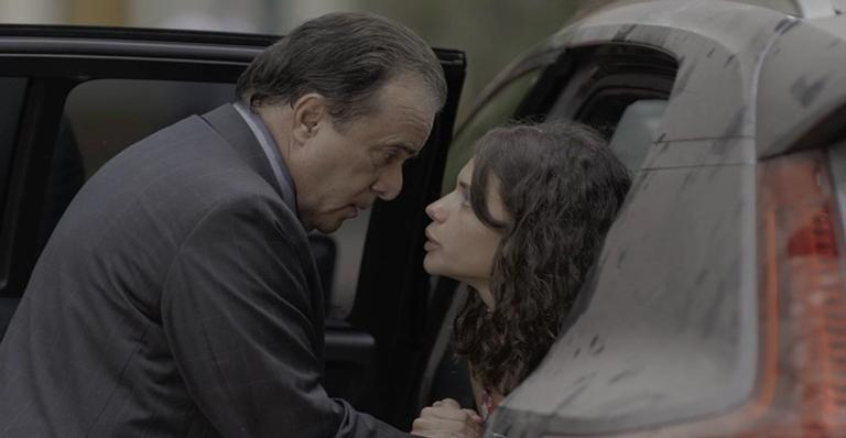Olavo está sendo alvo das investidas de Lourdes Maria