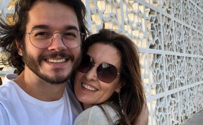 Apresentadora homenageou namorado no Instagram e público quentionou a legenda