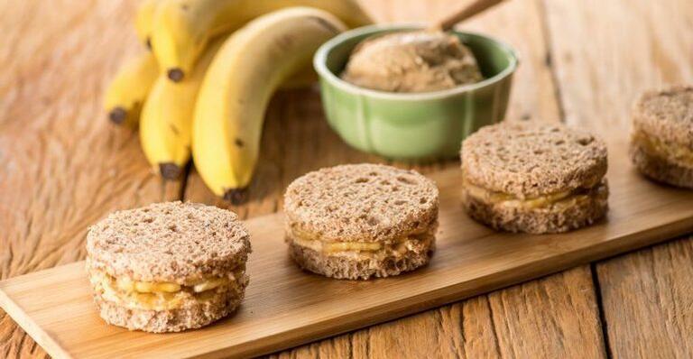 Casadinhos de Pasta de Amendoim e Banana
