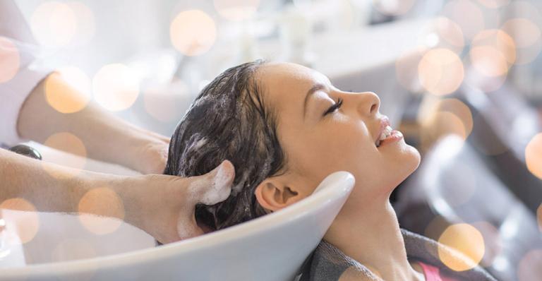 Este procedimento que fortalece o cabelo e equilibra a saúde