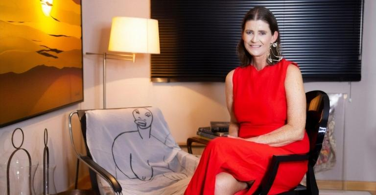 Neta da pintora Tarsila do Amaral fala sobre câncer: ''Achei que era afta''