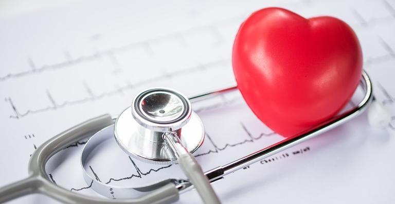 """O colesterol é dividido popularmente entre """"bom"""", o HDL, e """"ruim"""", o LDL"""