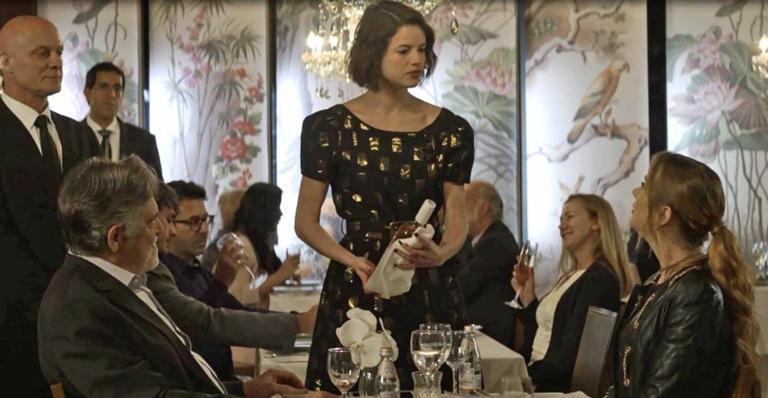 Josiane arrumou confusão no restaurante onde trabalhava