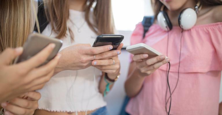 Internet: entenda quais são os perigos na vida dos adolescentes