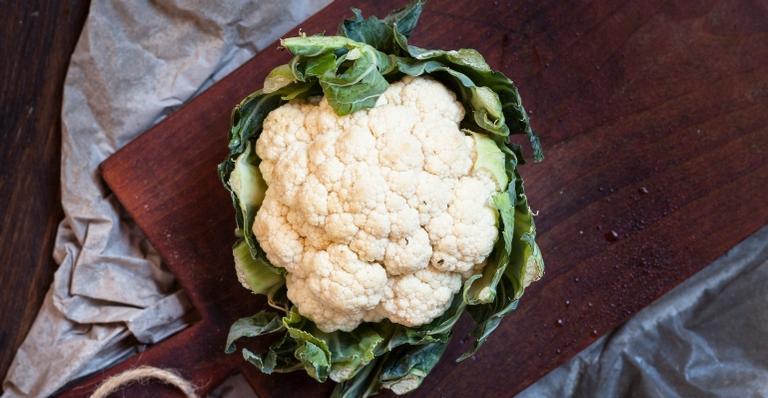 A couve-flor tem poucas calorias (100 g do vegetal tem 25 calorias)