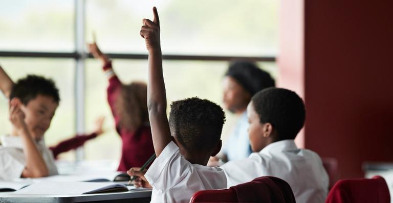 Especialista dá dicas de como escolher a escola ideal para seu filho