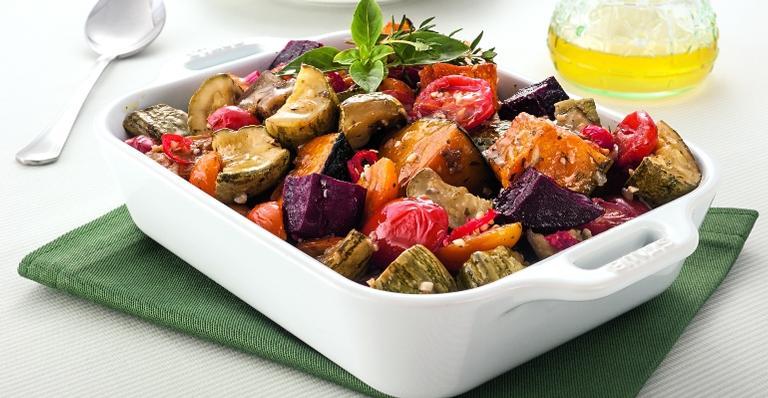 Terrina com legumes assados; veja como preparar esta receita