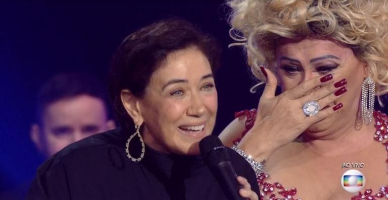 Nany People se emociona após se apresentar para as divas Lilia Cabral e Fafá de Belém