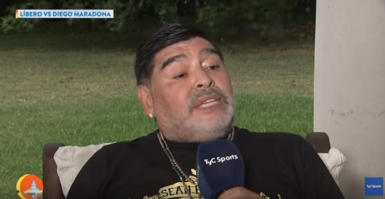 Ex-jogador Diego Maradona conta que foi raptado por três dias por extraterrestres