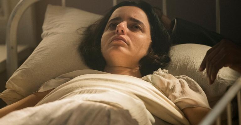 Justina se recusa a ir embora com Emília e tem crise nervosa em 'Éramos Seis'