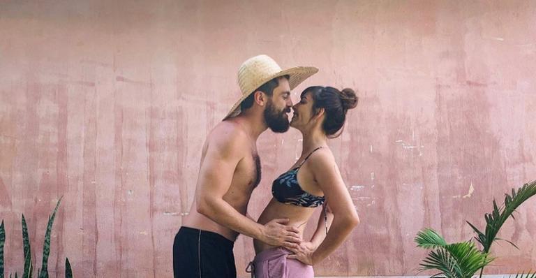 Titi Müller anuncia sua primeira gravidez