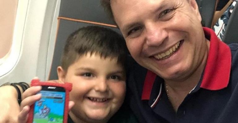 Alan Frank passa por susto com filho e alerta pais