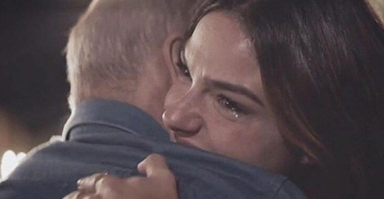 Atriz Isis Valverde faz homenagem emocionante para o pai