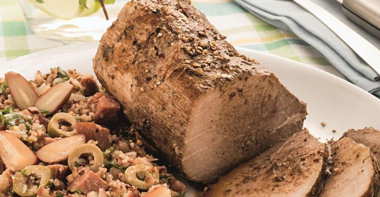 Lagarto na pressão com farofa de pinhão; uma saborosa receita