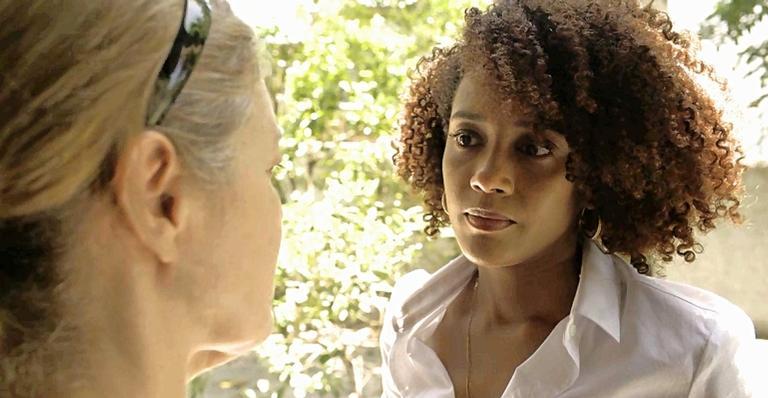 Vitória (Taís Araujo) coleta depoimentos de moradores de Guaporim em 'Amor de Mãe'