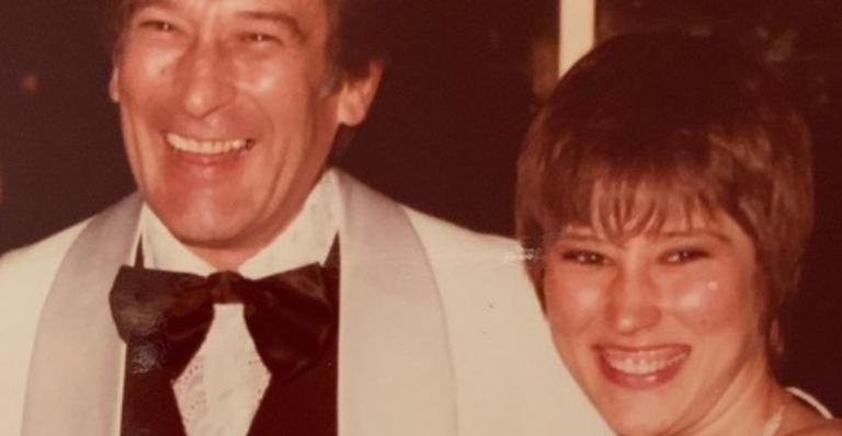 Atriz Beth Goulart prestou homenagem ao pai, Paulo Goulart