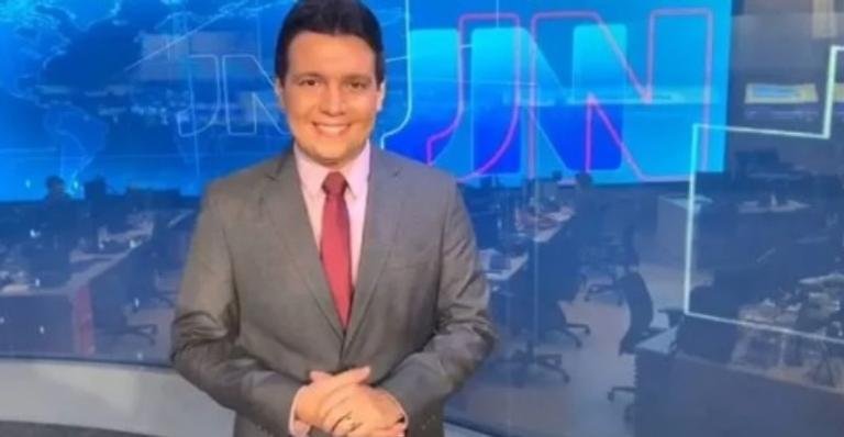 Marcelo Magno, jornalista da Rede Globo, comemora melhora da Covid-19