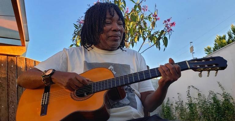 O cantor emocionou os fãs ao compartilhar linda homenagem para o filho, Augusto