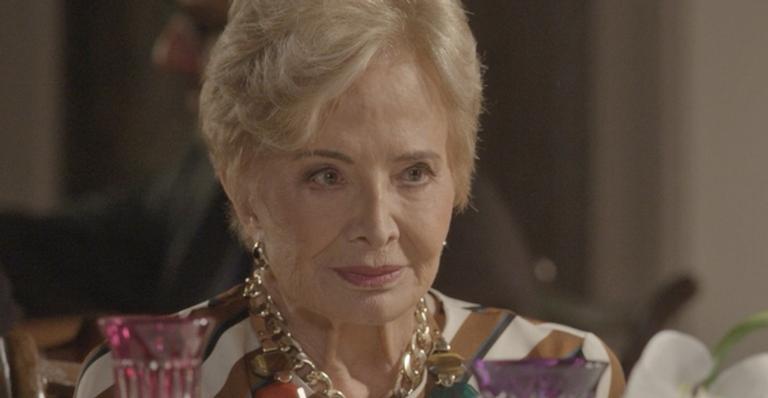 Mãe de Arthur decidirá separar o filho da modelo e propõe plano à vilã