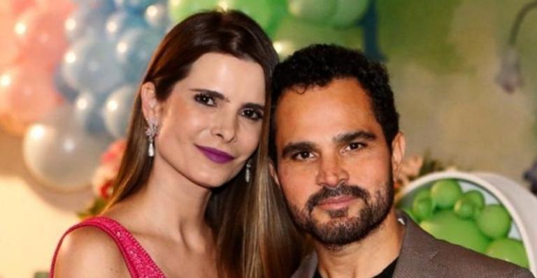 O sertanejo fez uma homenagem romântica para a esposa, Flávia