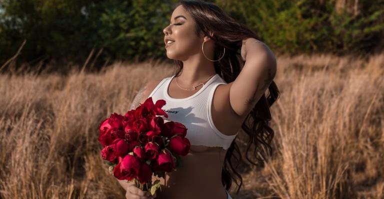 Com mais de 1 milhão de seguidores, a jovem conta que recebeu muitos comentários negativos após ganho de peso