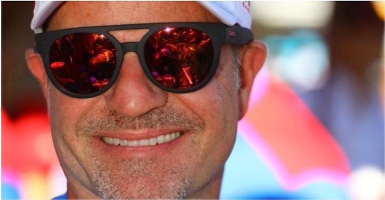 Barrichello começou a namorar a jornalista, Paloma Tocci