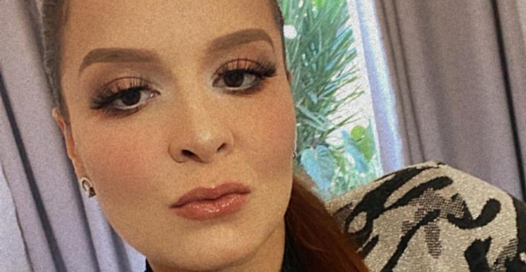 A cantora ficou solteira recentemente, após um relacionamento de idas e vindas com Fernando Zor