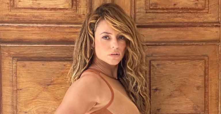 Paolla Oliveira surgiu linda na web e recebeu inúmeros elogios dos fãs