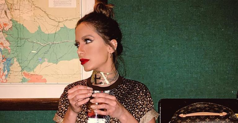 Cantora está fazendo uma viagem pela Europa