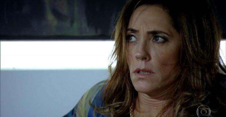 Guaracy e Esther conversam, quando Paulo chega; Griselda tranca Tereza Cristina, Ferdinand e os ratos na sauna