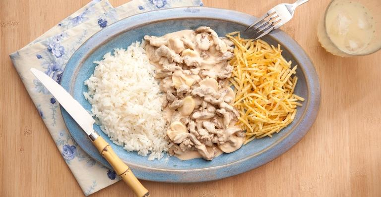 Aprenda como preparar um delicioso Strogonoff de Carne