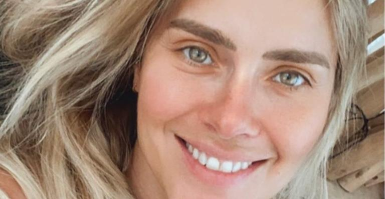 A atriz compartilhou um clique ao lado de Giovanna Antonelli e Claudia Abreu