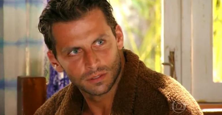 Cassiano chega à Vila dos Ventos; Ester vai até a praia e encontra Cassiano e muito mais!