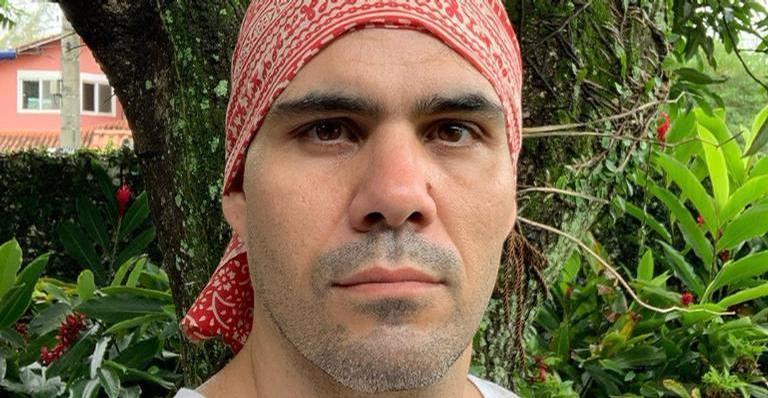 O artista publicou uma fotografia no camarim da TV Globo
