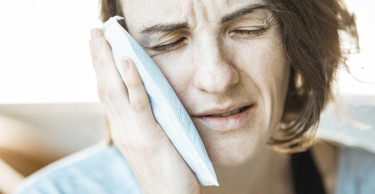 Sabia que roer unhas podecausar males digestivos?E que escovas de dentes velhas podem levar a problemas cardíacos?