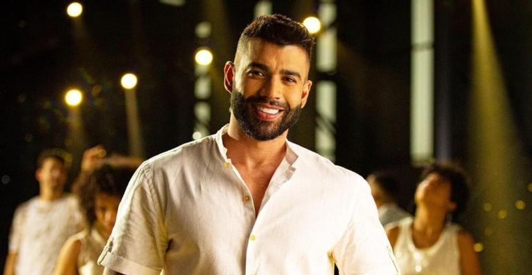 Gusttavo Lima faz postagem sugestiva no Twitter e fãs citam ex do cantor