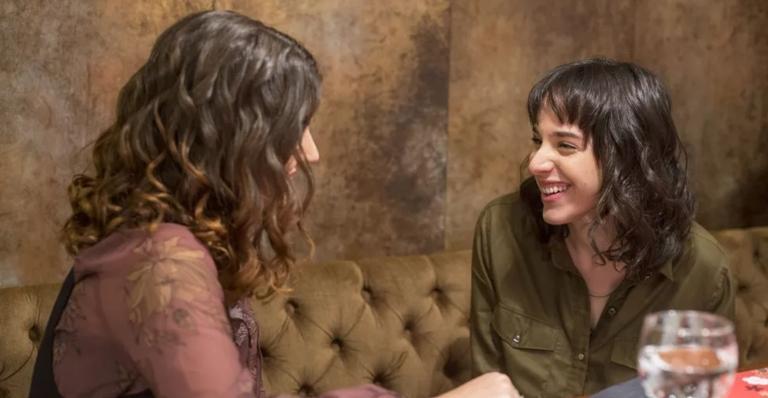 Júlia registra Clara e Fio juntos; Tonico aprende a andar e todas se emocionam e muito mais!