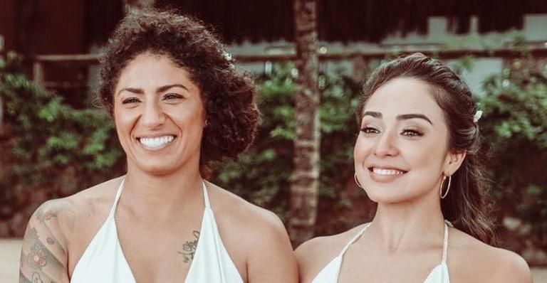 As duas se casaram em uma cerimônia particular em agosto deste ano