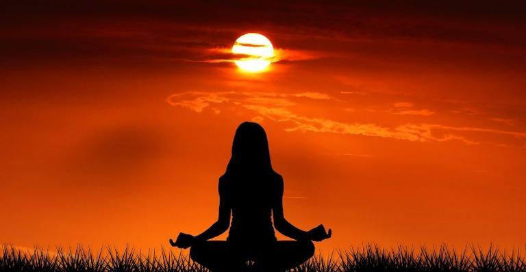 O mantra ganha o mundo ao trazer prosperidade, saúde, paz e outros benefícios para quem a utiliza