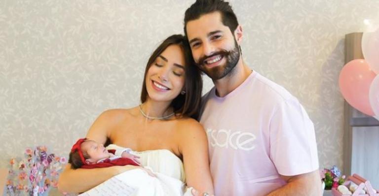 Segunda filha do DJ e Romana Novais nasceu prematura devido a complicações da Covid-19 da mamãe