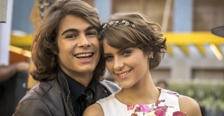 Isabella Santoni e Rafael Vitti celebram reprise de 'Malhação Sonhos' na TV Globo