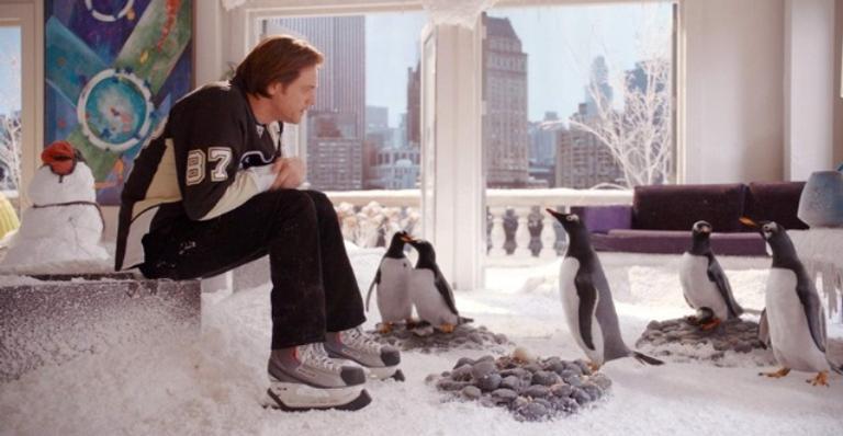 Na história, o empresário Tom Popper herda cinco pinguins de seu falecido pai