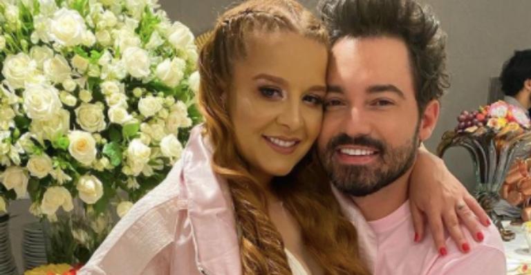 O cantor contou que não pretende se casar com a sertaneja